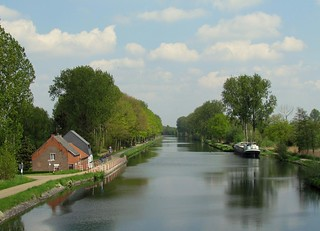 a view over the canal | by Foto Dominic (OFF)