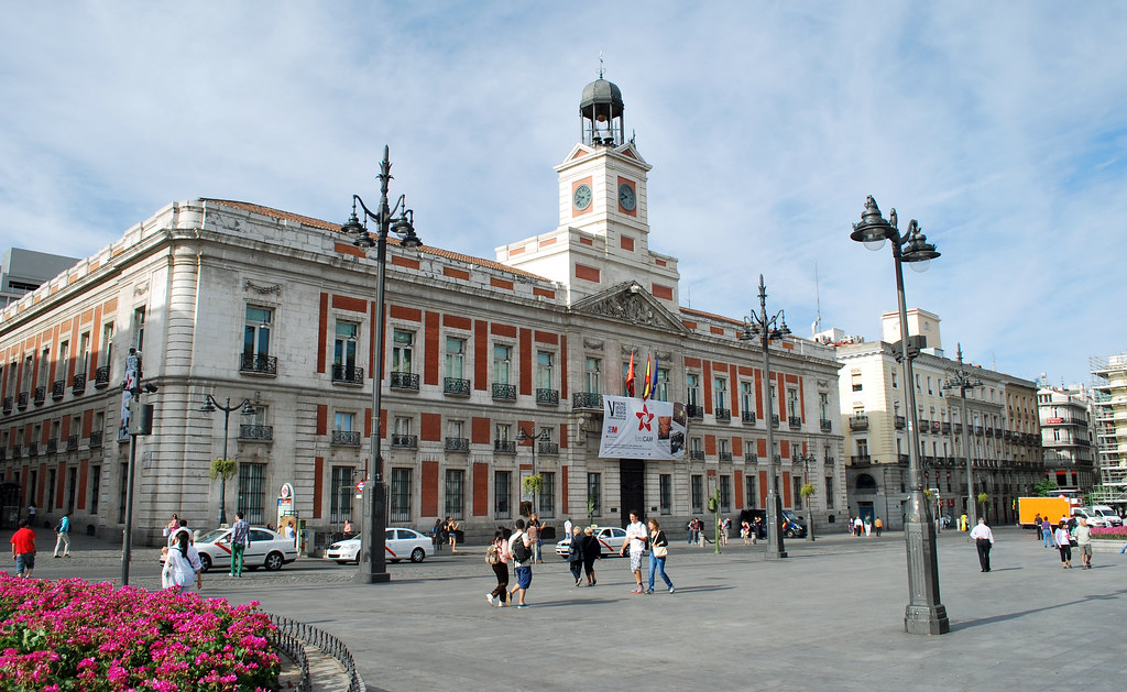 Puerta del sol madrid spain the puerta del sol is one for Puerta del sol 9 madrid