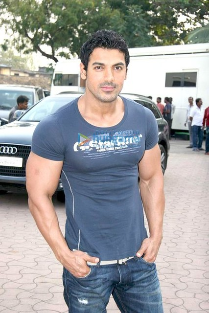 john-abraham-body-building-workout-i15 | Flickr - Photo Sharing!