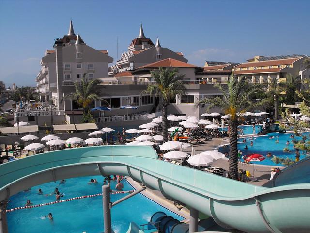 Aydinbey Famous Resort Hotel