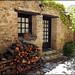 Maison de Castelnou avec réserve de bois