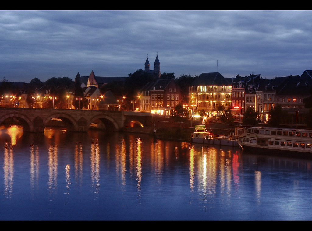 Maastricht at night an oldie again tjarko evenboer - Maastricht mobel ...