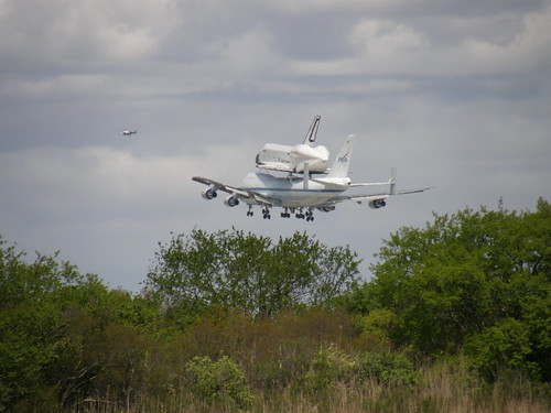 space shuttle enterprise landing - photo #42