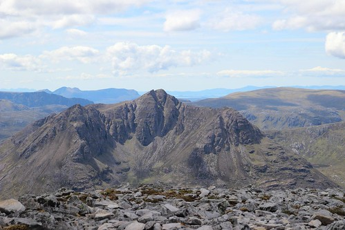 Beinn Dearg Mor- Scottish Highlands by tealess @reddit | by Altitude-sports.com