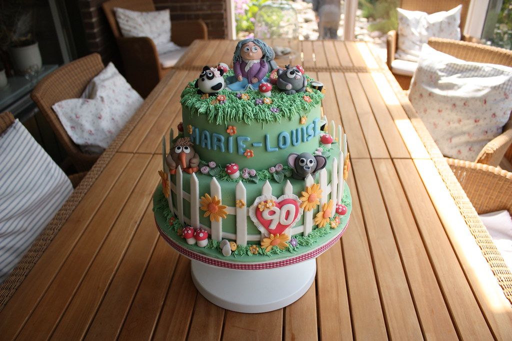 Cake Decorating Ideas For A 90 Year Old : Garden theme birthday cake Birthday cake for a 90 year ...