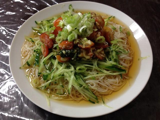 Tomato and basilico and kyuuri and myouga DE Somen