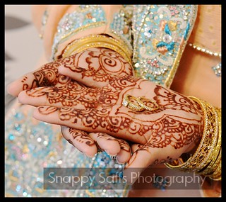 Wedding henna and her rings | by Snappy Saffs
