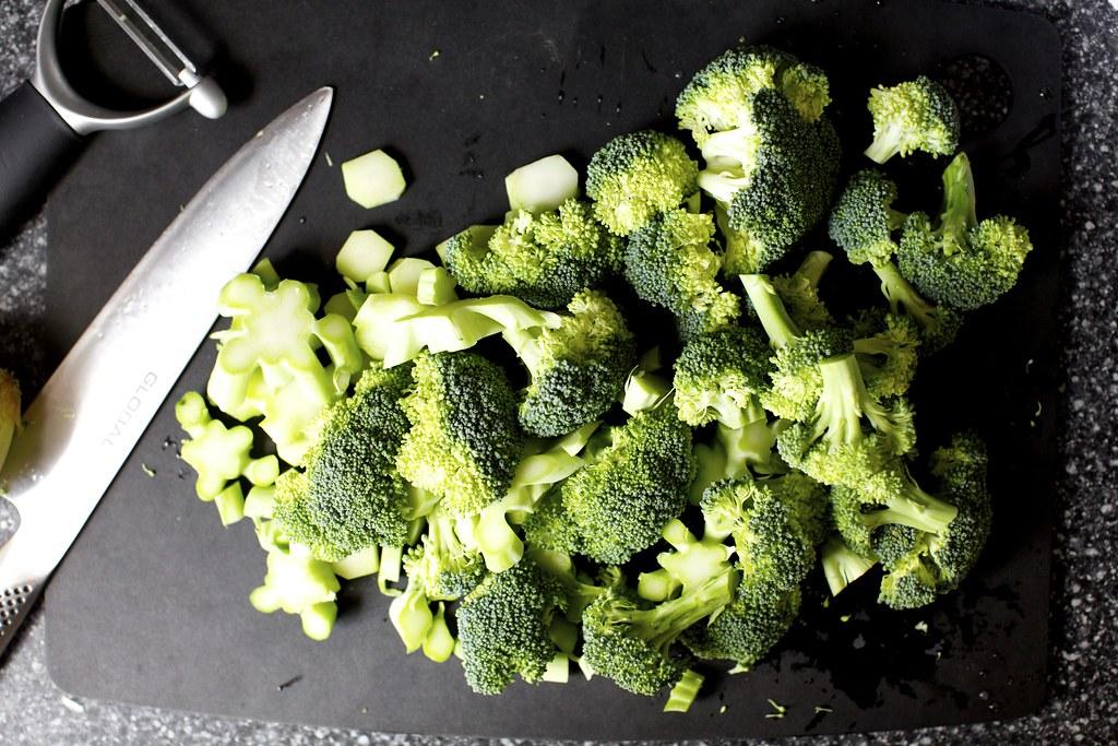 chopped broccoli | Spaghetti with Broccoli Cream Pesto on ...