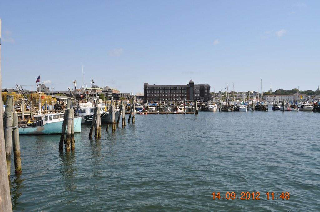 Fishing boats in newport ri louis l jagschitz state pier for Fishing newport ri