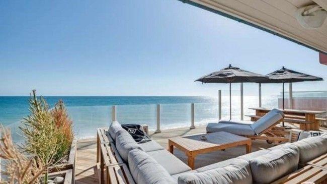 Панорамная терраса пляжного дома в Малибу