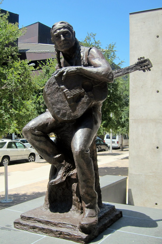 Austin Downtown Willie Nelson Statue The Bronze Statue Flickr