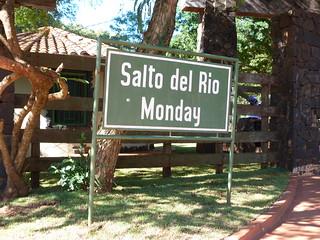 Cartel Salto del río Monday (Paraguay)
