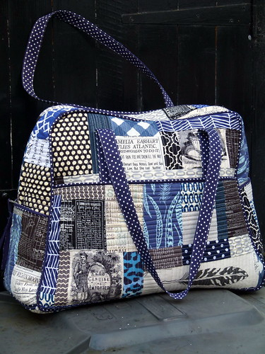 Quilted Weekender Bag | by Laura @ Needles, Pins and Baking Tins
