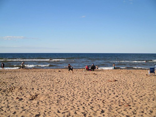 People at play, 2 #pei #peinationalpark #cavendish #cavendishbeach #latergram #gulfofstlawrence