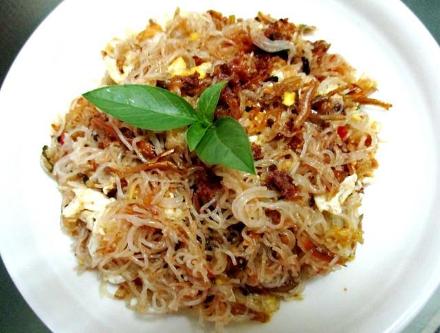 Fried belacan tang hoon