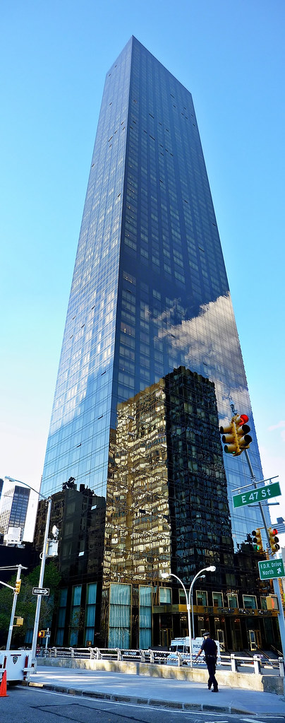 The trump world tower manhattan new york 4 image for Trump plaza new york city