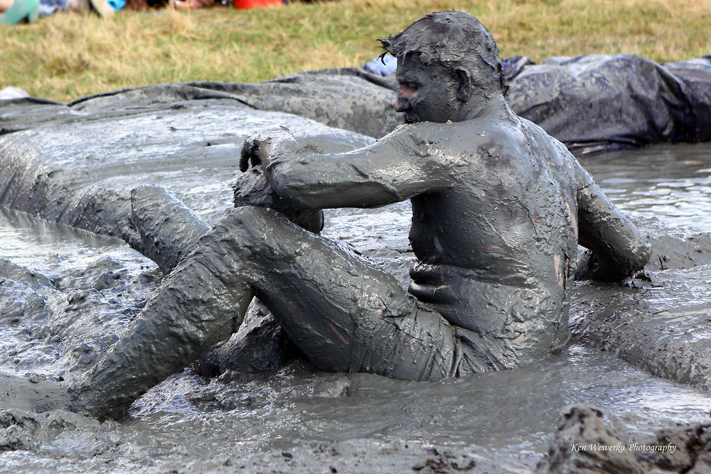 Mud Wrestling Girl Bikini - Babes - Porno Billeder-8230