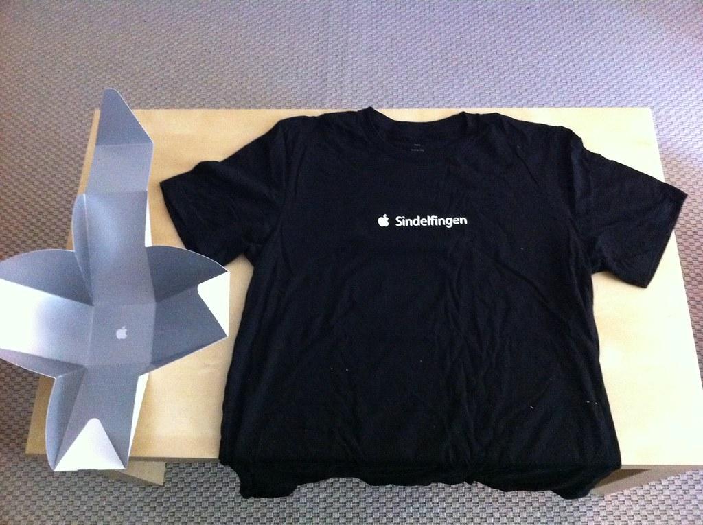 das apple store sindelfingen er ffnungs t shirt der stoff flickr. Black Bedroom Furniture Sets. Home Design Ideas