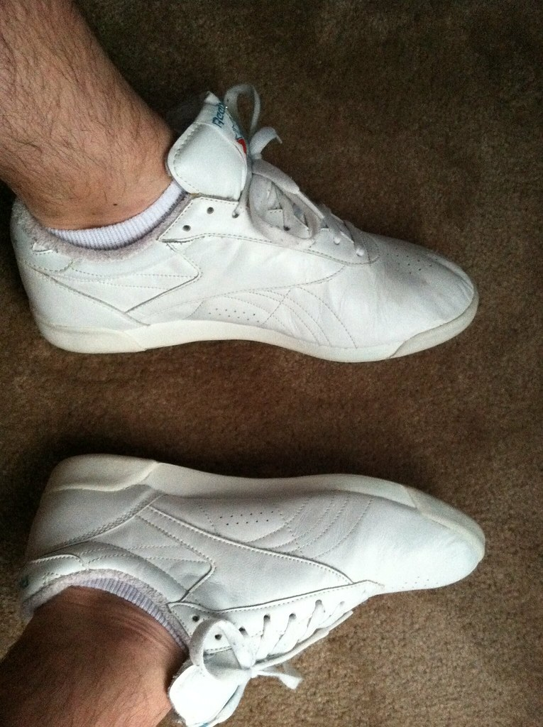 reebok freestyle low cheap   OFF56% The Largest Catalog Discounts 21a0b9dd4
