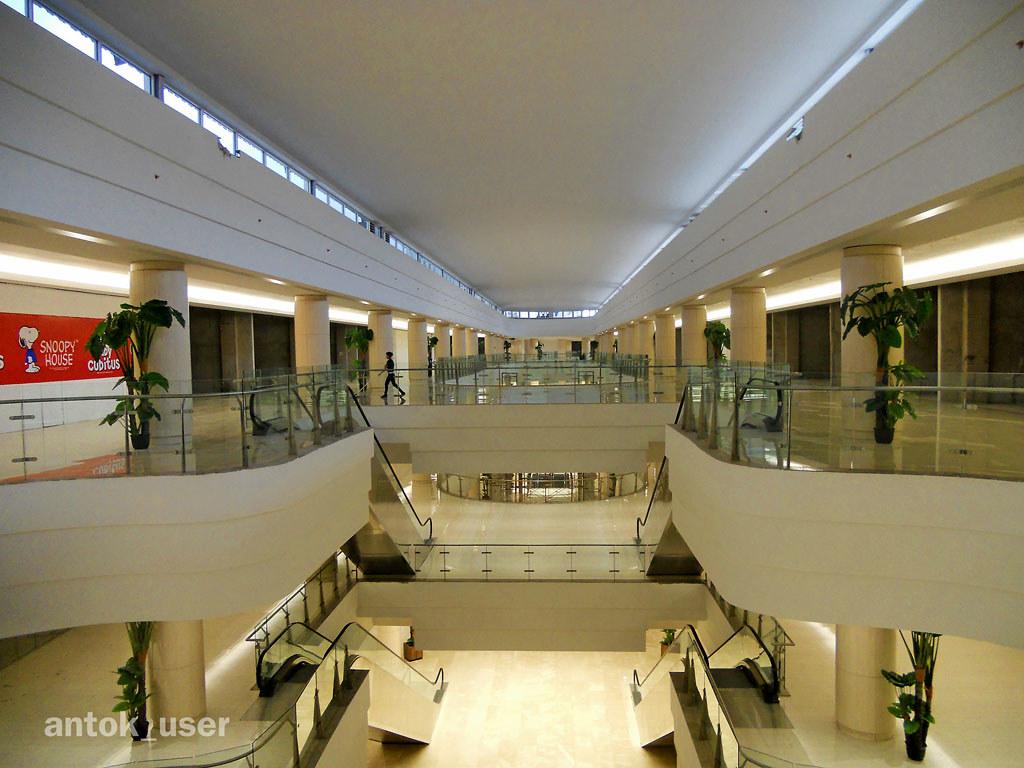 Mall alam sutera tangerang ananto hermawan flickr mall alam sutera tangerang by antok foto thecheapjerseys Image collections