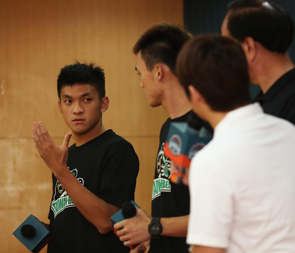 于煥亞(圖左1)。(中華民國籃球協會提供)