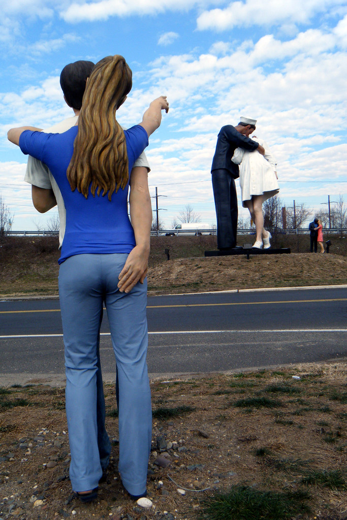 J seward johnson sculptures unconditional surrender for John seward johnson i