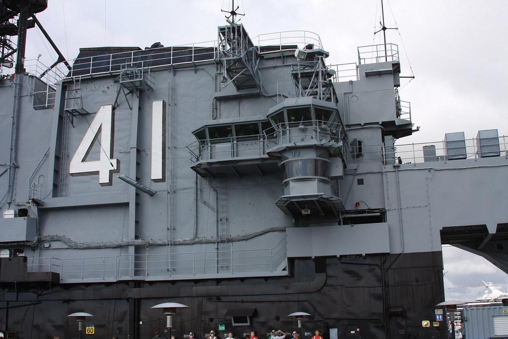aircraft carrier uss midway cv-41 museum
