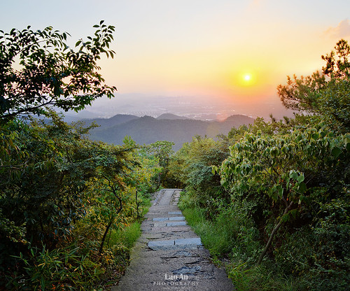 Path to Hangzhou | by Andy Brandl (PhotonMix)
