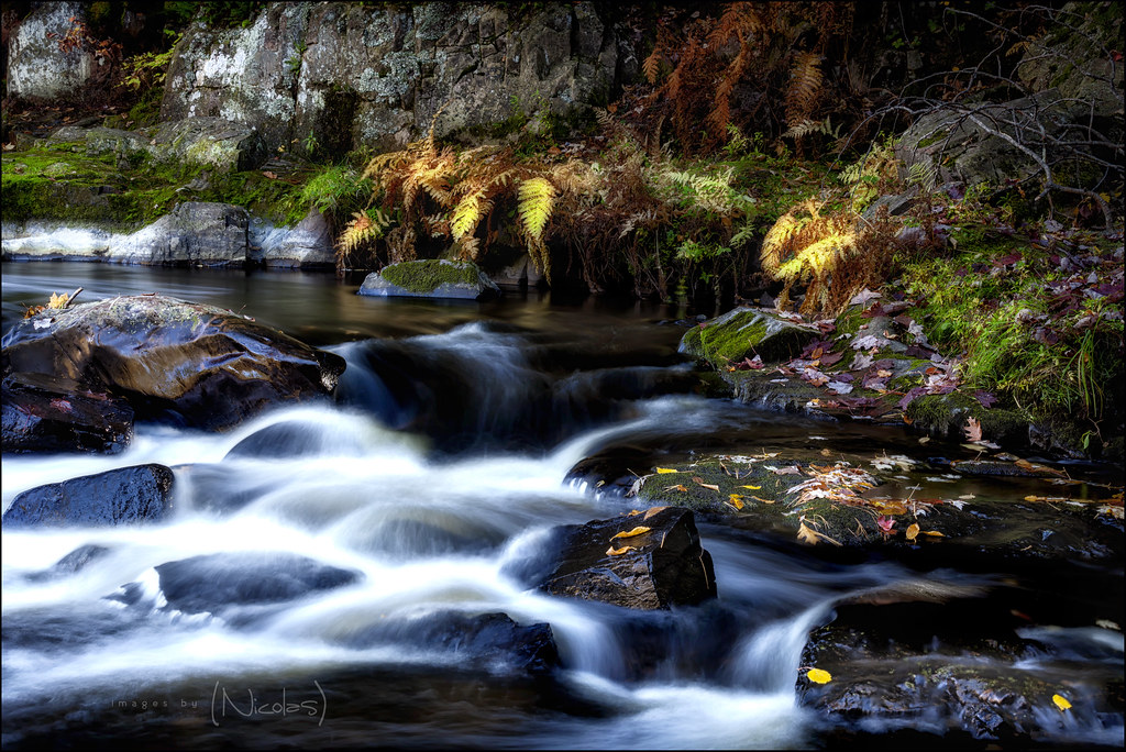 Landscaping Rock Eau Claire : Late day waterfalls bending in eau claire falls south of a