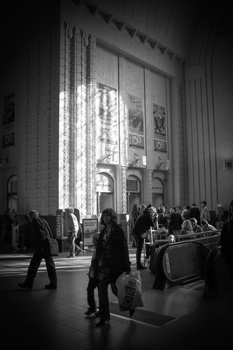 Central railway station, 3.07 p.m. | by punkmarko