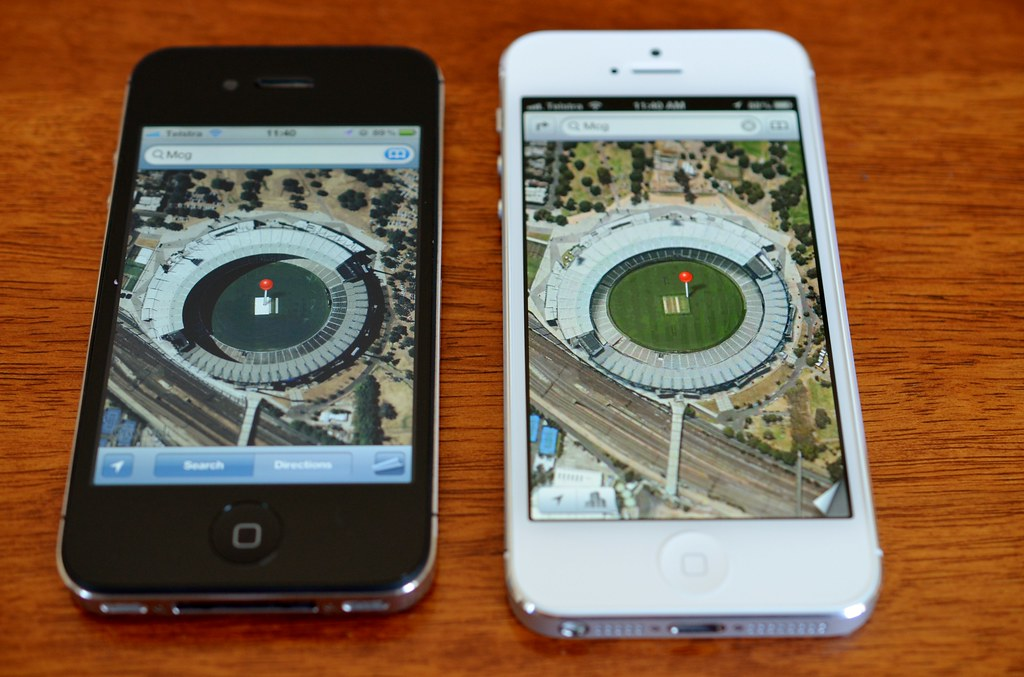 Mcg On Iphone Left Iphone 4s With Google Maps Right