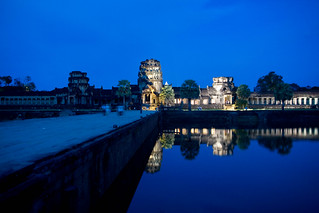 Night view of Angkor Wat, Siem Reap | by onur_kutuk