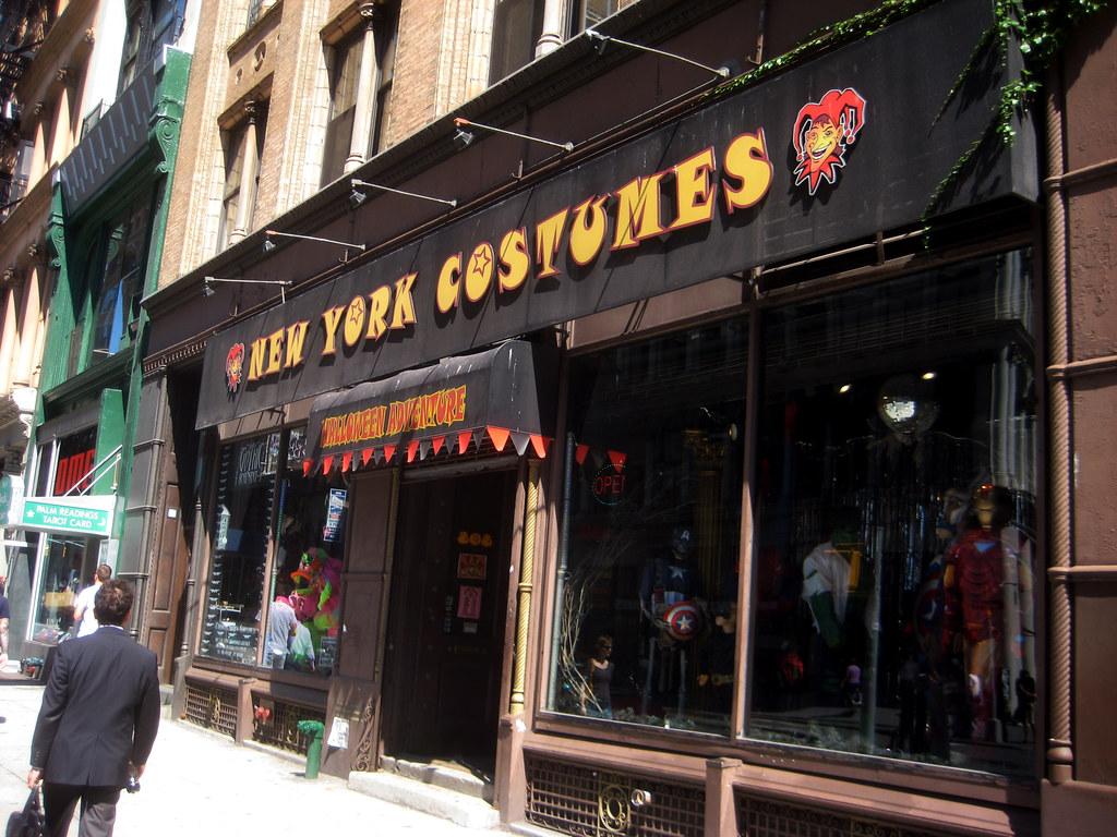 New York Costumes Halloween Adventure Mask Store 1770 | Flickr
