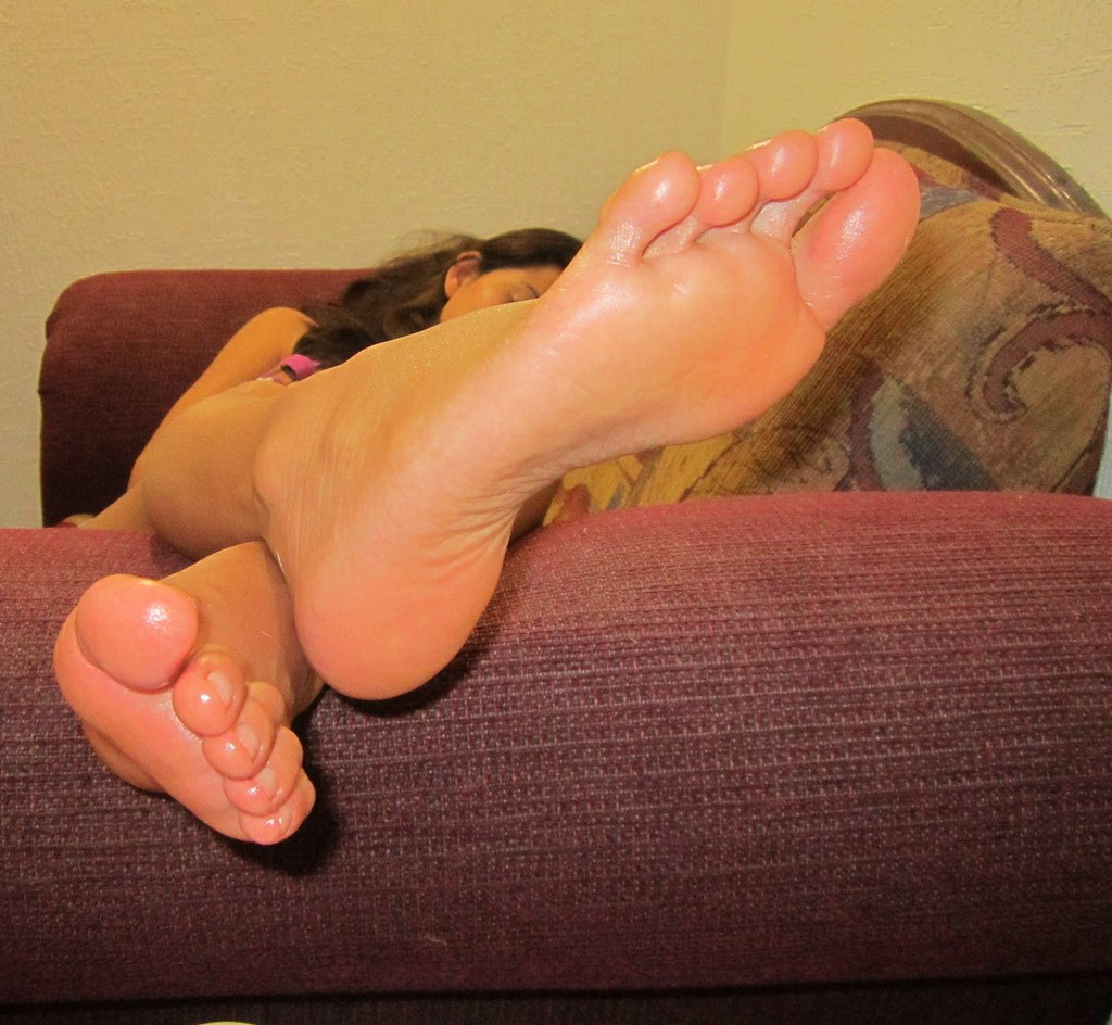 Oiled Feet Job 60