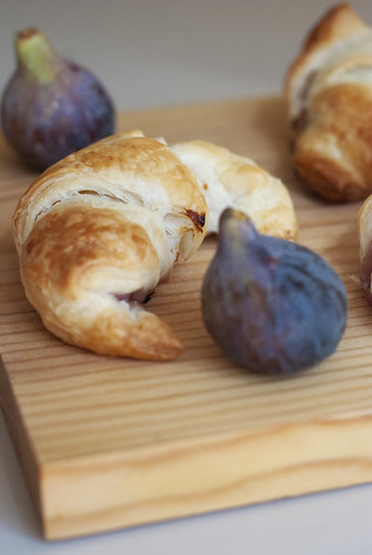 Croissants and figs | by Valouth
