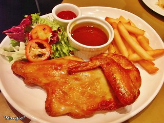 roasted chicken with french fries and salad  烤雞, 炸薯條, 沙律 | by *Margie*