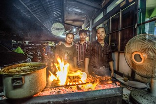 the Sate Kambing team Hadorie Bandung | by Paul Cowell