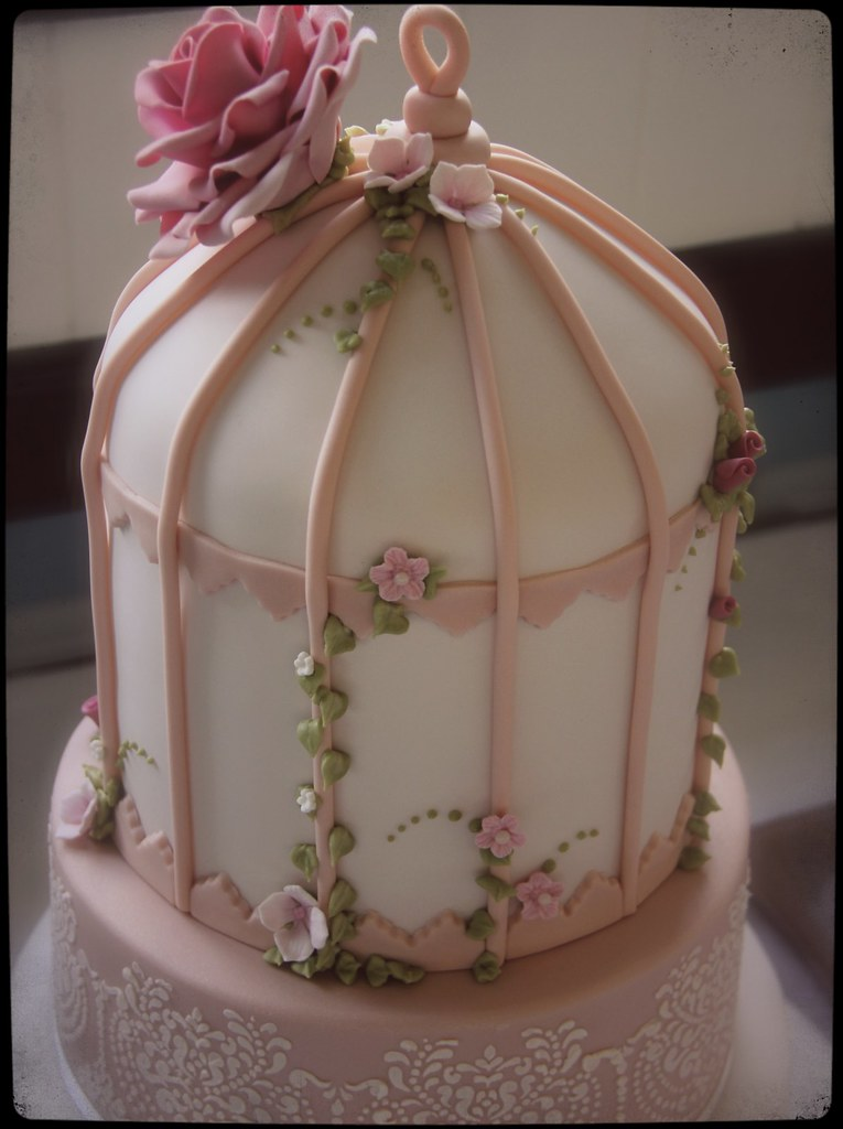Birdcage Wedding Cake A Vintage Themed Wedding Cake The B Flickr