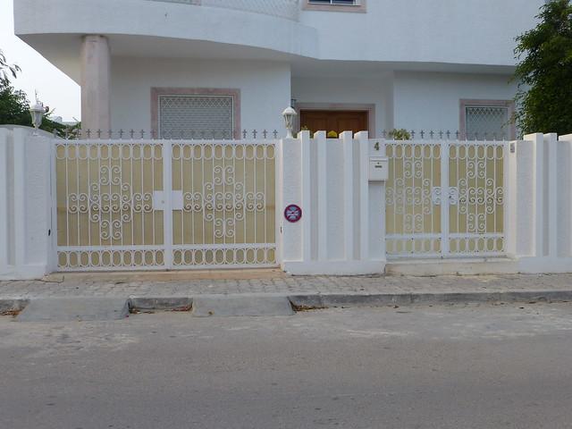 Porte ext rieure fer forg tunis flickr photo sharing - Porte d entree jardin en fer ...