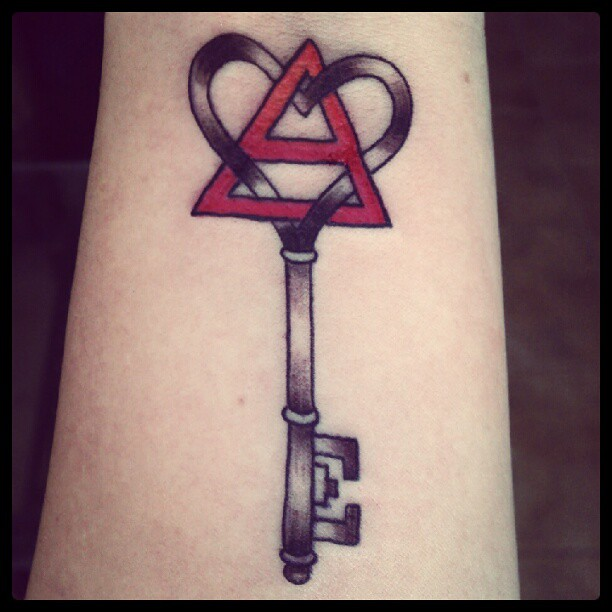 triad key tattoo 30 seconds to mars triad key tattoo michelle stevenson flickr. Black Bedroom Furniture Sets. Home Design Ideas