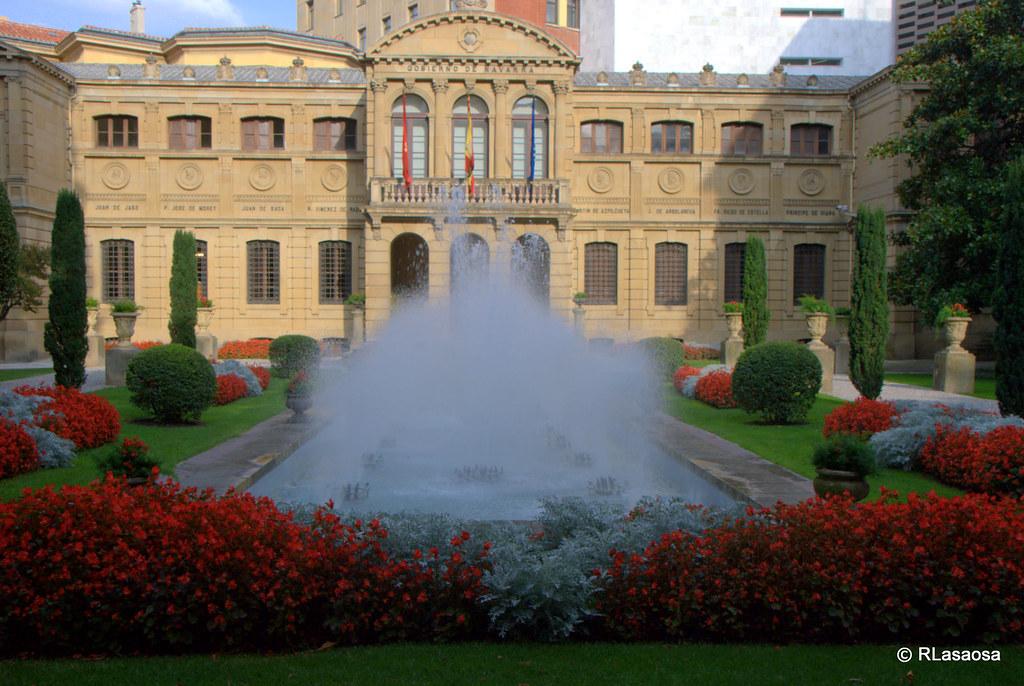 palacio de navarra pamplona jardines del palacio de
