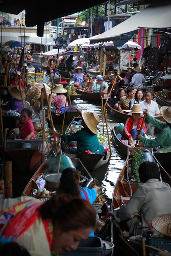 Damnoen Saduak floating market, Thailand | by Dragos Cosmin- Getty Images Artist