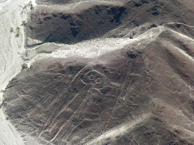 El astronauta (Líneas de Nazca en avioneta)