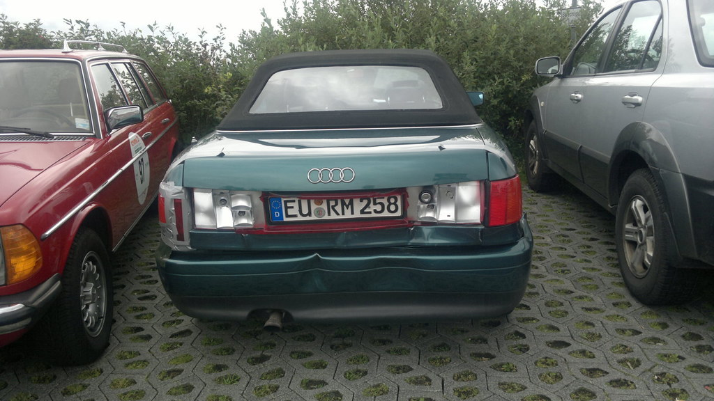 Audi 80 Convertible After A Crash At Creme 21 Youngtimer R