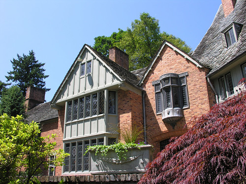 LC Frank Manor House | by A look at campus life here in Portland, Oregon.