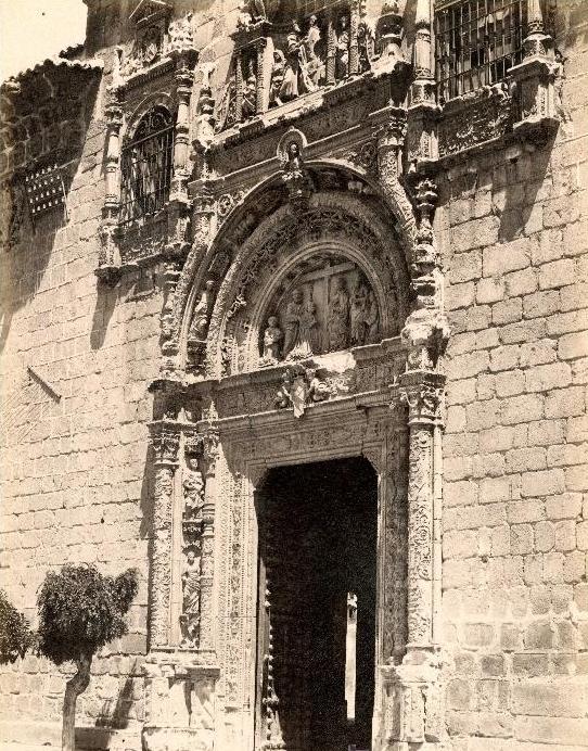 "Hospital de Santa Cruz en 1897. Fotografía de Rafael Garzón. ""Fachada de Santa Cruz. Nº 1713"""