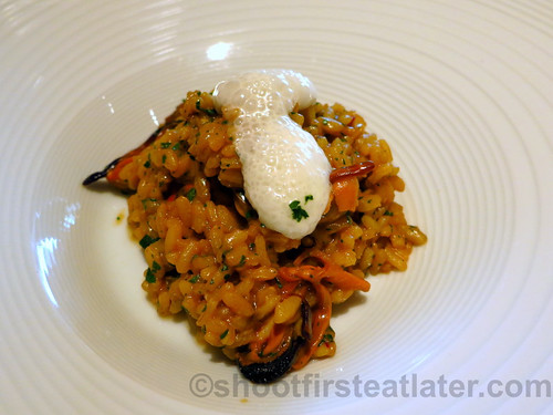 Bistró Guggenheim Bilbao - creamy seafood rice with rock mussels & garlic mayonnaise foam | by Shoot First, Eat Later
