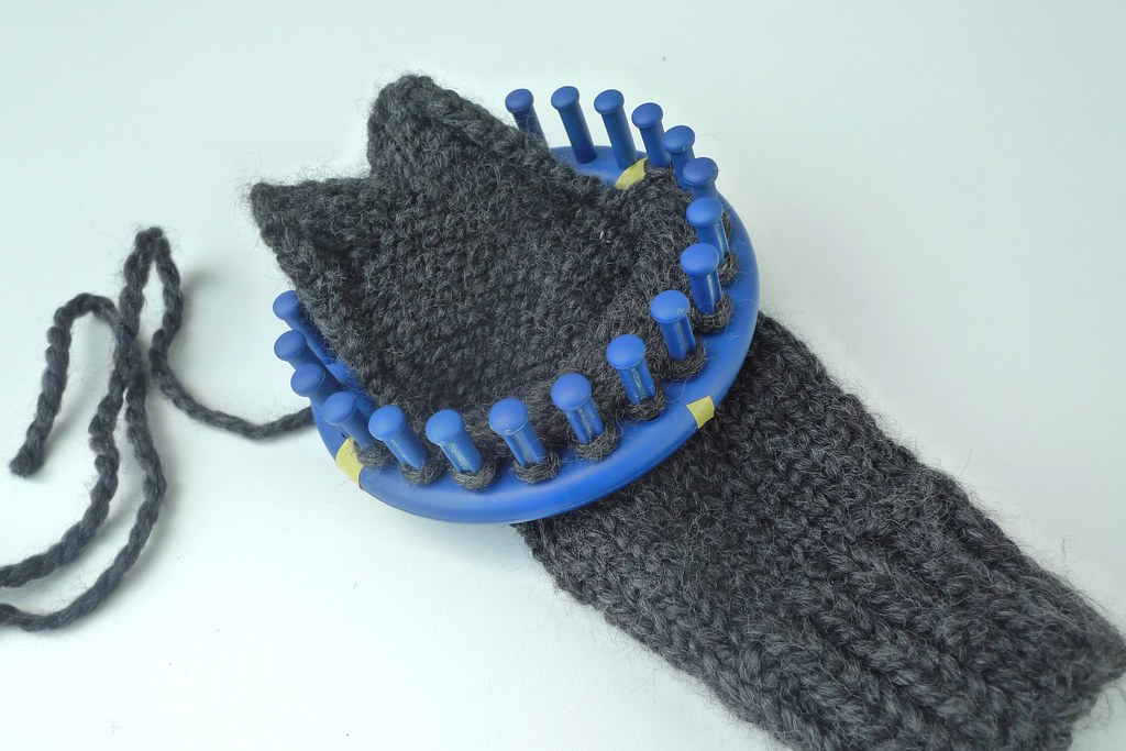 Knitting Mittens On A Loom : Loom knit lobster mittens wip ged here kelly flickr