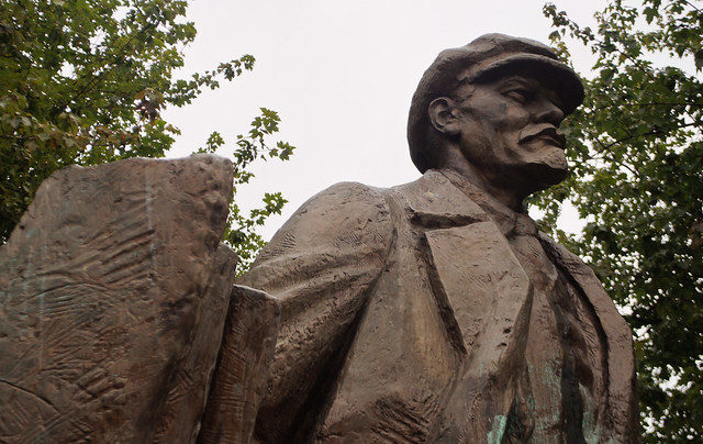 seattle news lenin statue is loved hated and very fremont