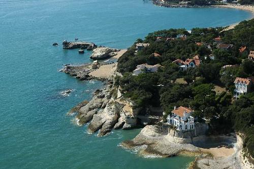 Vue a rienne sur villa minerve et pont du diable des - Office de tourisme de st palais sur mer ...